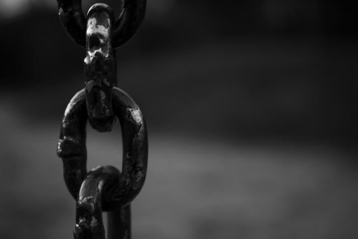 1_1 Chains